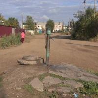 Центральным водопроводом в селе Кенжеколь пользоваться могут не все