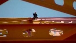 В Павлодаре мужчина из-за несчастной любви пытался спрыгнуть с моста