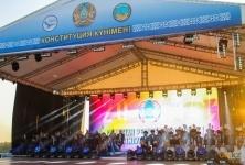 Оркестры, удивившие столицу своим баттлом, накануне дня Конституции выступили перед павлодарцами