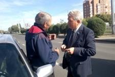 Таксистами-нелегалами заинтересовались депутаты в Павлодаре