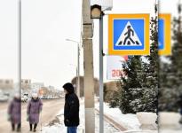 В Экибастузе пешеходные переходы вблизи школ оборудовали светодиодными светофорами