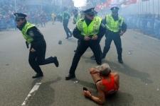 Террористы взорвали зрителей 117-го Бостонского марафона