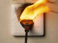 В Павлодаре энергетики пообещали восстановить бытовую технику, которая сгорела в эти выходные из-за скачка напряжения