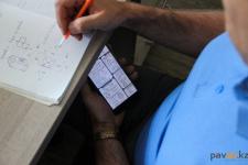 В Павлодаре во время тестирования на получение образовательных грантов некоторые кандидаты пользовались смартфонами