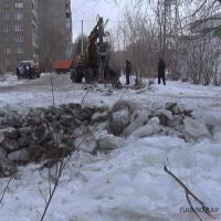Очередной порыв на пересечении улиц Камзина-Толстого, произошедший неделю назад, все еще не устранили