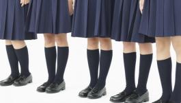 Казахстанским школьницам могут запретить мини-юбки