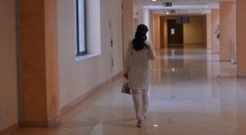 Медсестра наркодиспансера склоняла трезвого водителя к даче взятки полицейскому в Костанае