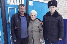 В Павлодарской области сельский участковый спас заблудившегося в камышах мужчину
