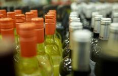 Жительнице Павлодарской области грозит наказание за торговлю спиртным