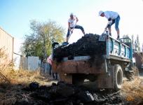 В Павлодаре бесплатно развозят уголь по дворам социально уязвимых граждан