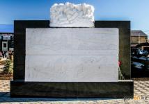В Павлодаре открыли памятник соледобытчикам