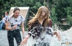 Санитарные врачи предупреждают: купаясь в фонтане, можно подхватить менингит