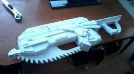 Оружие из ПВХ делает 24-летний парень из Экибастуза