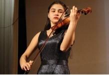Талантливая павлодарская скрипачка не может поехать на конкурс в Турцию