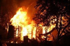 В минувшие выходные в Прииртышье пожарные тушили дачи