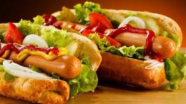 Соревнования по скоростному поеданию хот-догов состоится в Павлодаре