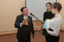 В Павлодаре наградили школьников за лучшие сочинения про президента