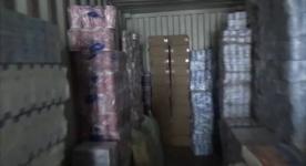Большой запас неизвестной жидкости, водки и безакцизных сигарет хранил сельчанин в Павлодарской области