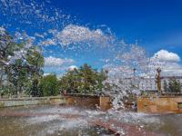 В Павлодаре на набережной обновят центральный фонтан, а у музколледжа заменят на пешеходный в виде клавиш пианино