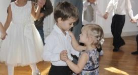В Алматы дети с синдромом аутизма провели свой первый весенний бал