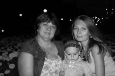 Уроженка Казахстана, ее дочь и внуки погибли в пожаре в ТРЦ в Кемерово