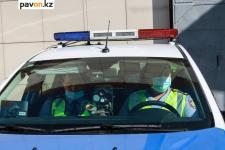 Грузовик с подложными номерами остановили полицейские в Павлодаре