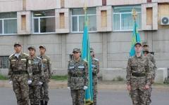 В Павлодаре среди школьников выбрали лучшую команду знаменосцев