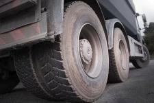 В Ленинском погиб 17-летний парень, отдыхавший под грузовиком