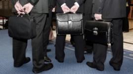 Областным акимам подняли зарплату сразу на тысячу евро