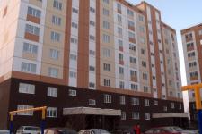 Почти год жильцы новостройки, возведенной в Павлодаре в рамках государственной программы, воюют с застройщиком