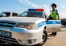 Павлодарские полицейские грозят должникам поквартирным обходом