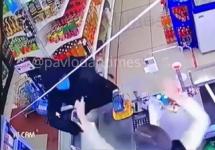 Напавшим с пистолетом на продавца грабителем оказался полицейский в Павлодаре
