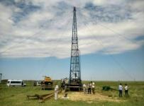 Скважину с качественной питьевой водой начали исследовать в селе Такыр Лебяжинского района