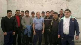 Экс-главу МВД Казахстана заставляли голым мыть полы