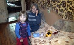 Мать с малолетним ребенком выселяют на улицу в Павлодаре