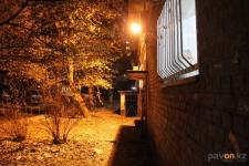 В Павлодаре полным ходом идет кампания по освещению дворов