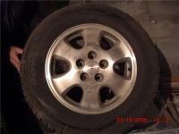 всесезонная резина с литыми дисками на Toyota RAV4