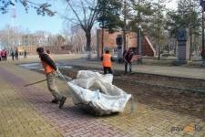 Жители города Павлодара вышли на городской субботник
