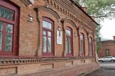 Бойцы Жасыл ел начали восстанавливать историческое здание в Павлодаре