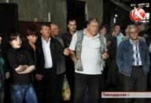 Павлодарские рабочие со скандалом требуют свою зарплату