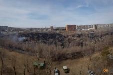 В Павлодаре загорелось Пахомовское кладбище
