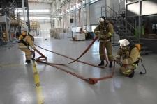 Павлодарские спасатели отработали тактику тушения пожара на заводе Нефтехим LTD