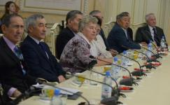 Необычный подарок сделал пенсионерам аким Павлодарской области