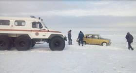 Экибастузские спасатели вернули заблудившихся рыбаков домой