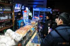 В Павлодаре магазину запретили продавать алкоголь за торговлю им после 21.00