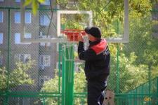 В павлодарском отделе спорта прокомментировали жалобы некоторых граждан на строителей стритбольных площадок