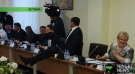 Журналисты припомнили новому вице-спикеру Мажилиса его прыжок через стол