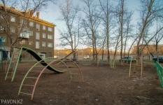 В Павлодаре необходимо установить 500 детских площадок