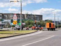 Трамвайный переезд на Естая - Назарбаева ремонтируют в Павлодаре