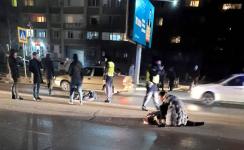 """Внедорожник сбил пожилых женщин на """"зебре"""" в Павлодаре. Одна из них скончалась"""